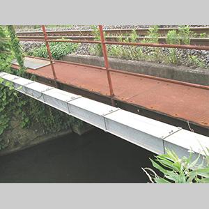 トラフ橋管路ダクト03
